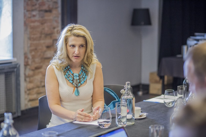 Grazyna Piotrowska - Oliwa: Debata  - Cyfrowe przedsiębiorstwa, foro. Itwiz